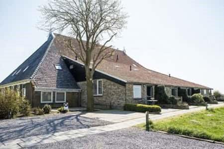 Groepshuis voor 13 personen in Oudega, Friesland
