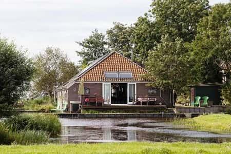 Groepsaccommodatie voor 12 personen met 5 slaapkamers in Schermerhorn