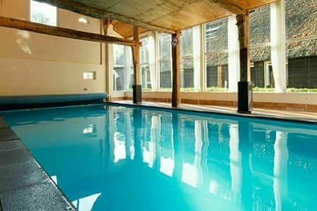 Groepsaccommodatie Overijssel met prive zwembad, 8 personen, 4 slaapkamers