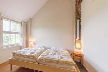 Slaapkamer voor 2 personen in het huis