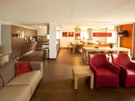 Landal Hoog Vaals - groot vakantiehuis (24L) - woonkamer