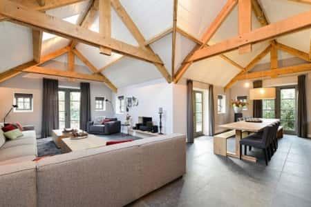 Impressie luxe woonkamer
